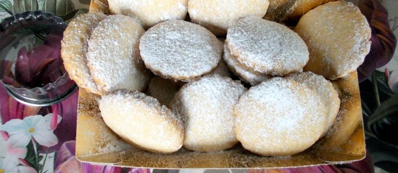Biscotti semplici al cocco
